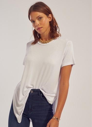 Monamoda Bisiklet Yaka Yırtmaçlı T-Shirt Beyaz